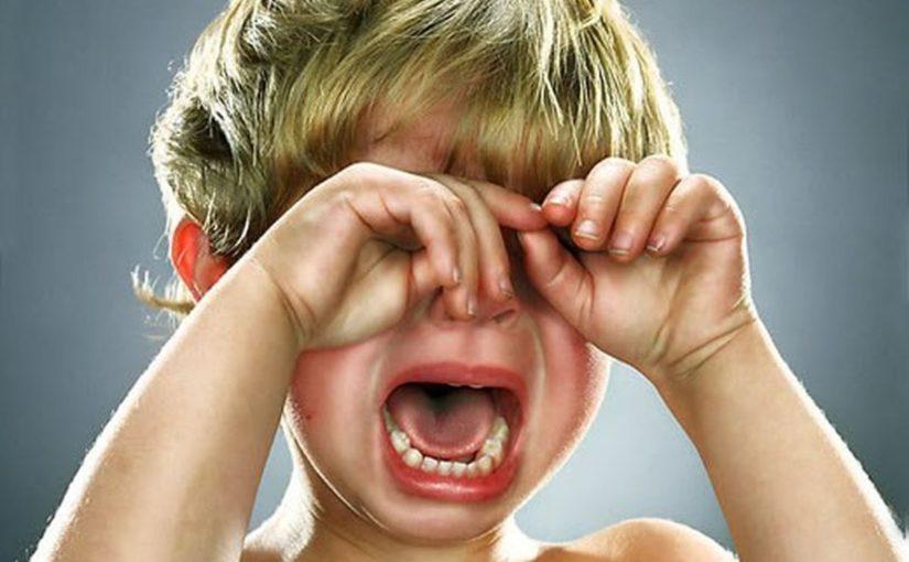 ребенок, плачь