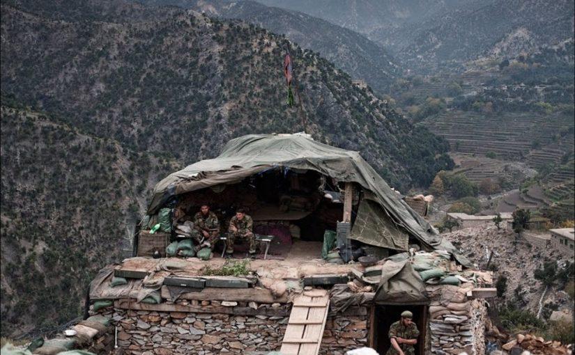 взяли в плен на войне в Афганистане, горы убежище